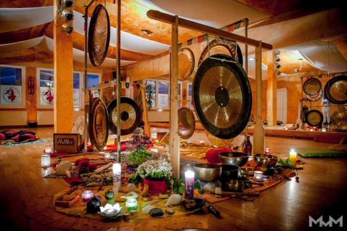 Gong Puja